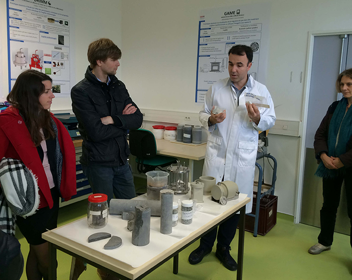 Visit of the SITEX participants in a laboratory